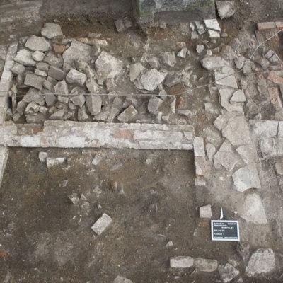 Spätmittelalterliche und neuzeitliche Baubefunde und Bestattungen aus dem Stadtkern von Eldagsen, Gemeinde Stadt Springe