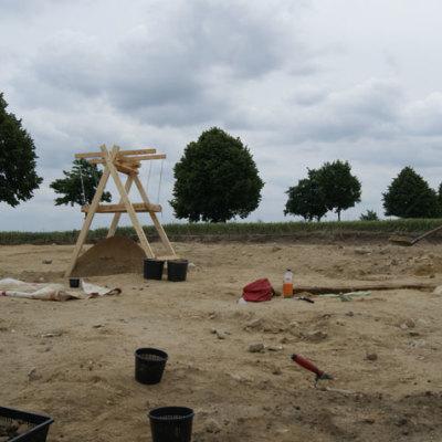 Siedlungsgruben und Gräber aus der späten Römischen Kaiserzeit und Völkerwanderungszeit am Südrand der Gemeinde Apensen